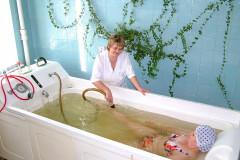 Гипертермическая ванна с желтой эмульсией Залманова